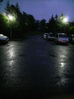 雨が降ってます